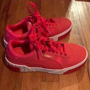 Red Like new Pumas